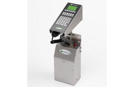 C10001 Grosszeichen Tintenstrahldrucker von Domino angled
